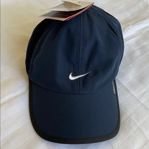 NWT Nike DriFIT unstructured cap